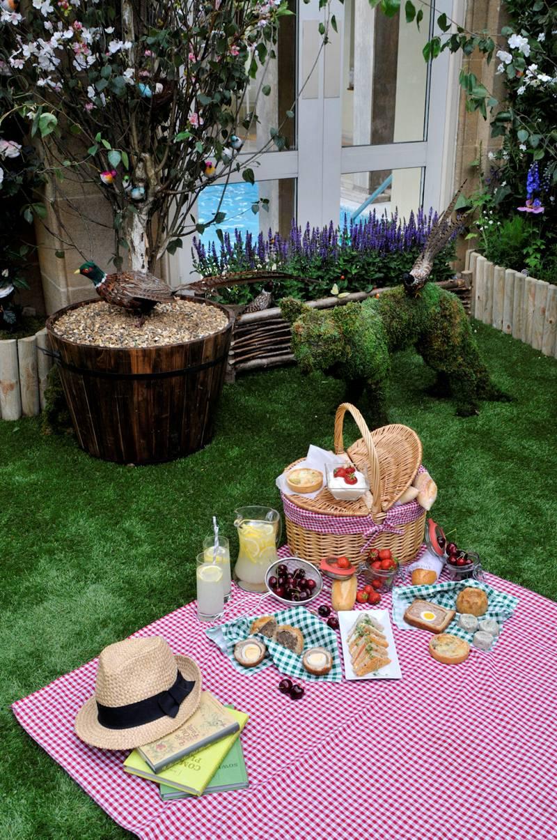 londonSecret Rooftop Garden Picnic