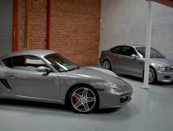 Porsches in queue