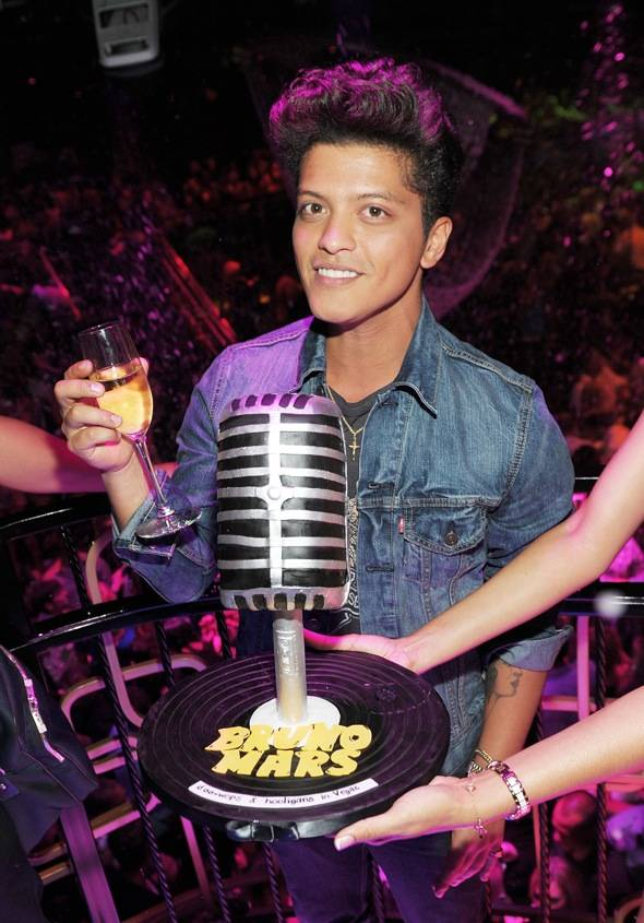 126580263DT002_Bruno_Mars_P