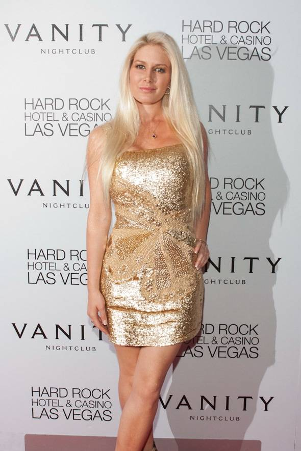 Heidi Montag celebrates her birthday at Vanity Nightclub.