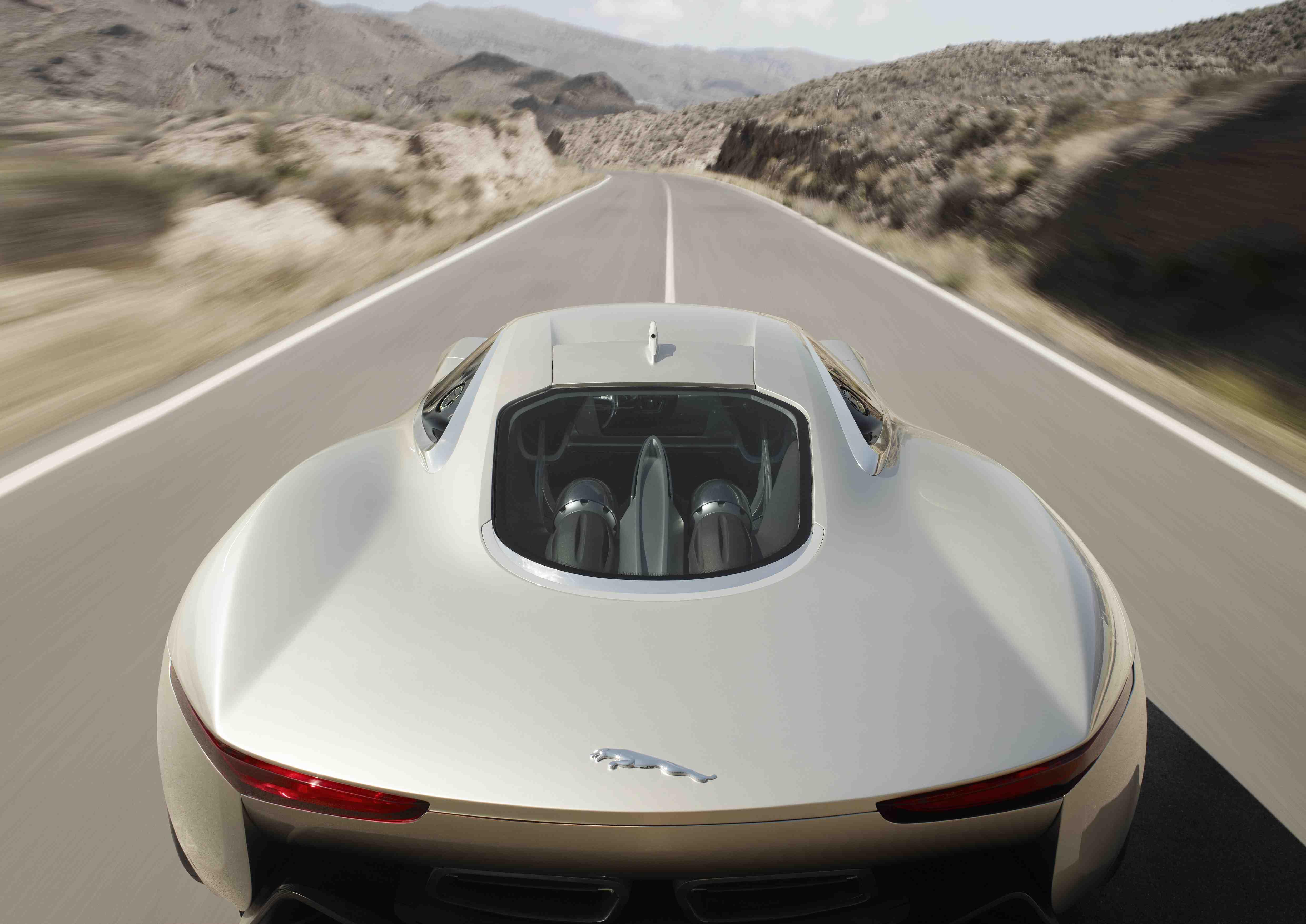 Jaguar C-X75 Concept amidship turbines