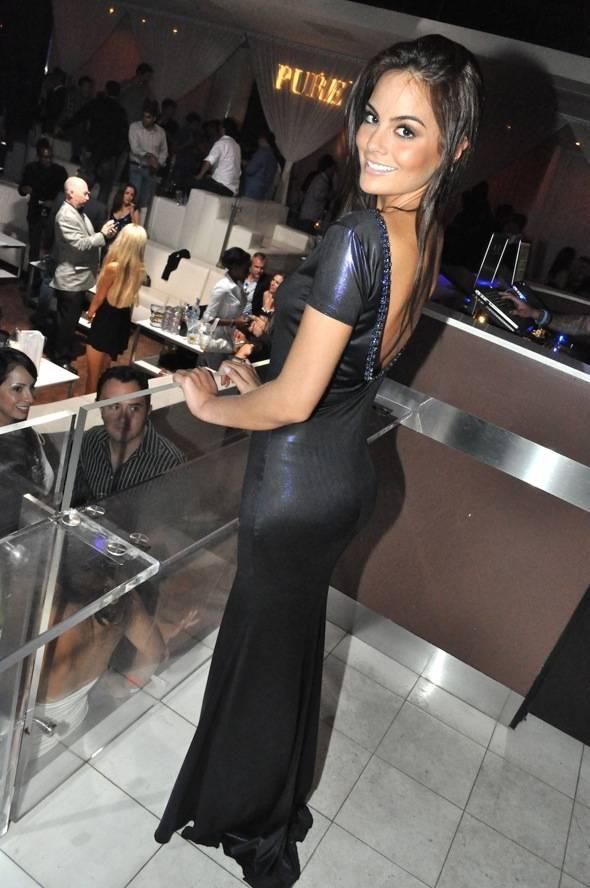 Miss Universe 2010 Ximena Navarrete_PURE Nightclub 3_9.16.11