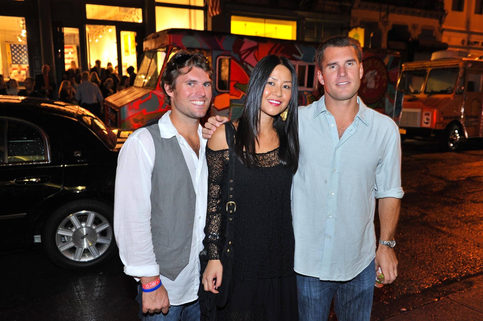 Ryan Thompson & Lisa Brooks & Drew Thompson (Custom)