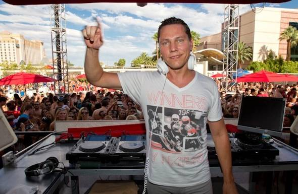 Tiesto_WET REPUBLIC_9.3.11
