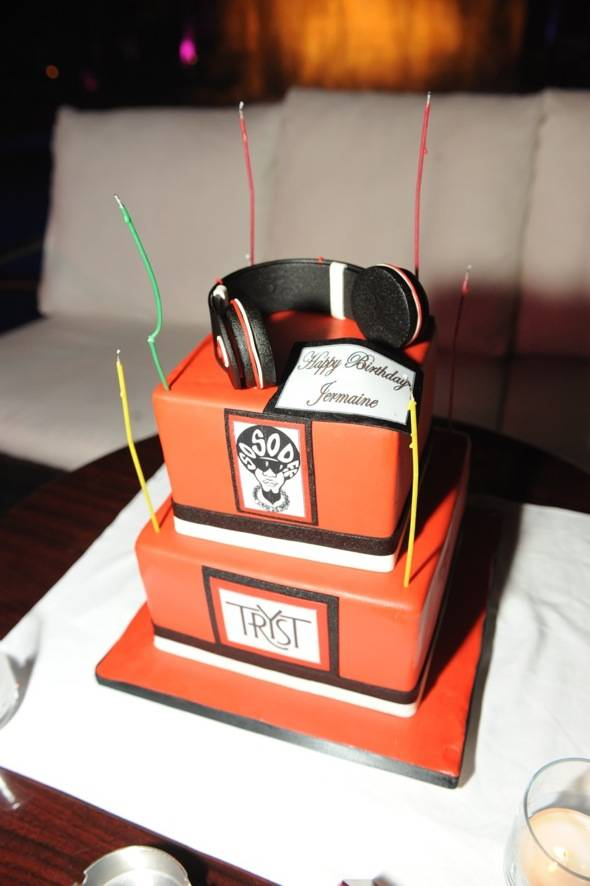 Tryst Nightclub - Birthday Cake