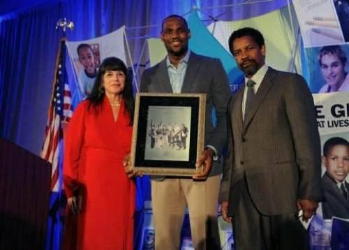 award-LeBron