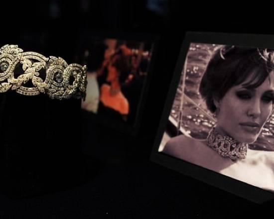 d67c2b689085366b_Unique-necklace-of-Angelina-Jolie-Style-of-Jolie-New-Jewelry-Design-by-Angelina-Jolie-and-Robert-Procop