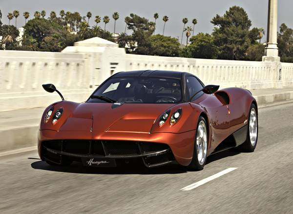 small2013-Pagani-Huayra-Profile
