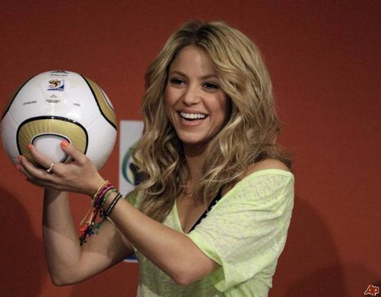 south-africa-soccer-wcup-shakira-2010-7-10-7-2-56