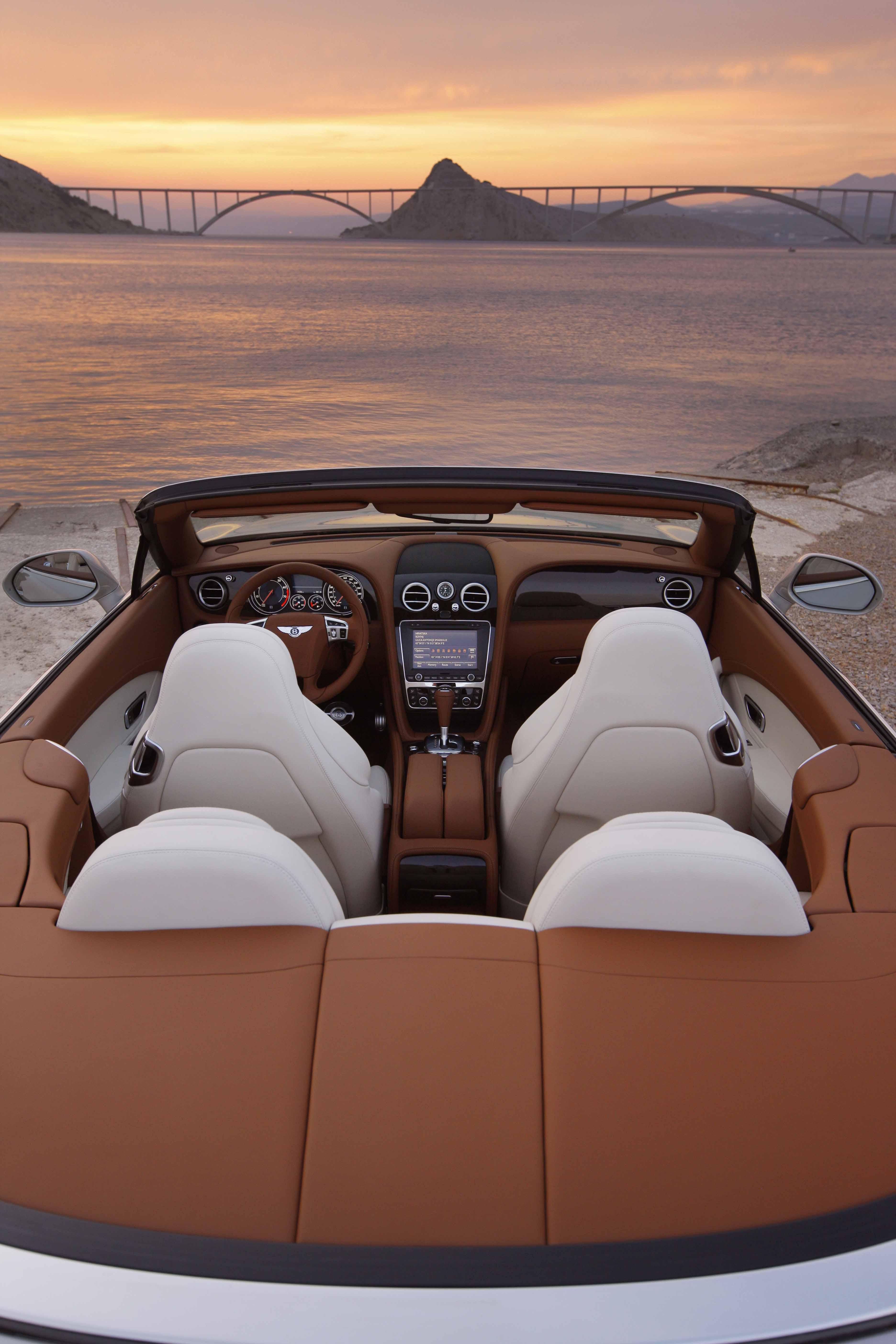 2012_Bentley_Continental_GTC_Test_Drive_Croatia...006