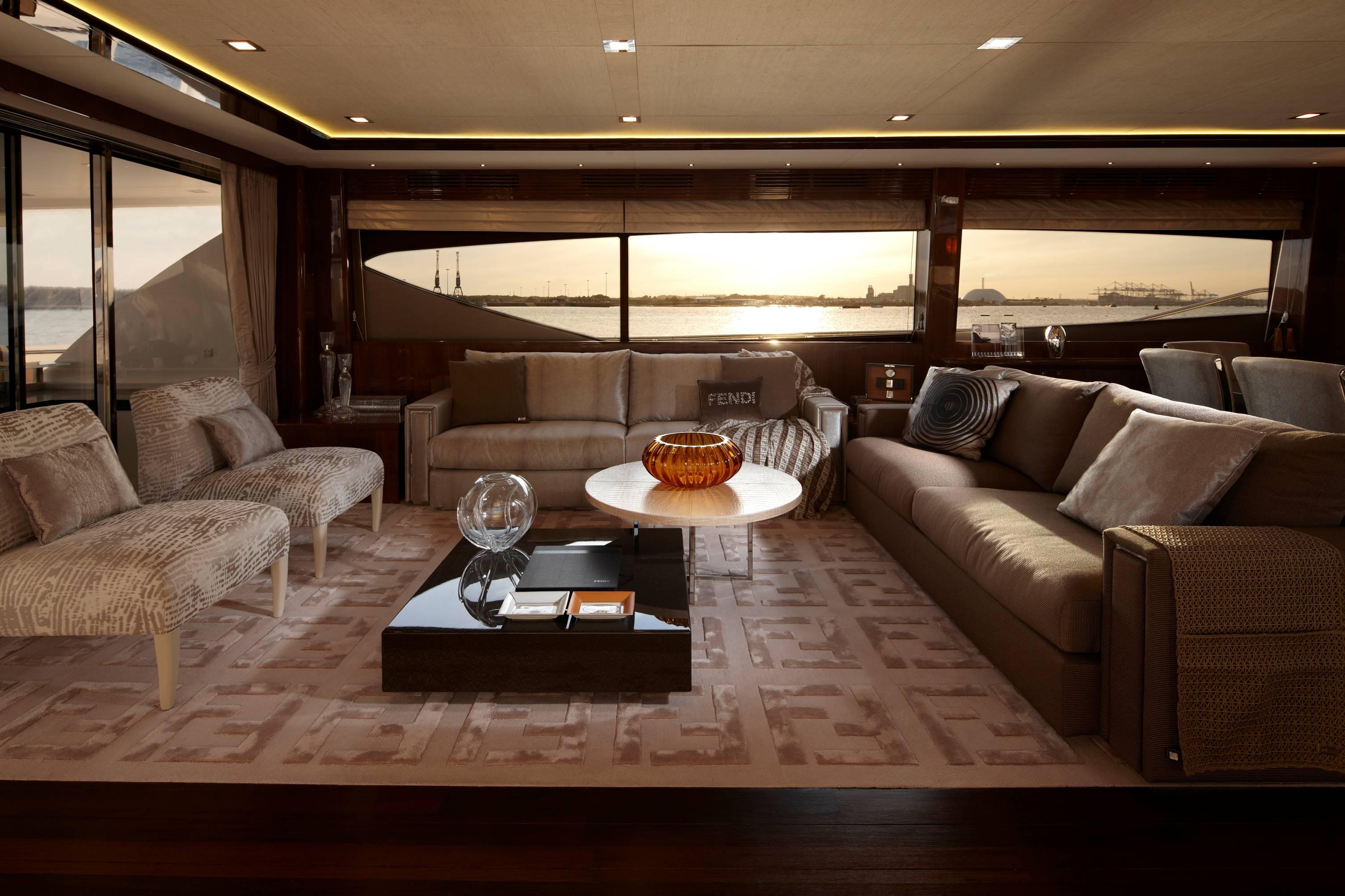98 Motor Yacht Saloon - press release