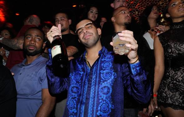 Drake celebrates his birthday at TAO with MARTINI Moscato d'Asti 2