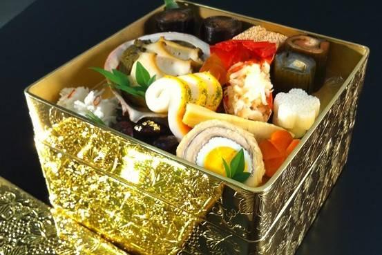 Takashimaya-gold-lunch-box