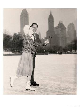 couple-ice-skating-nyc-posters