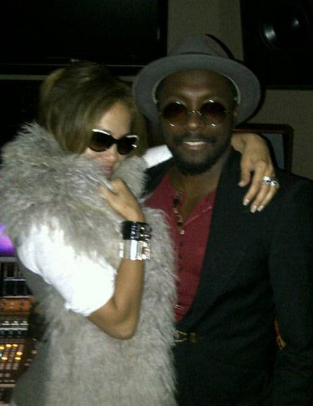jlo-and-will-hook-up-in-the-studio
