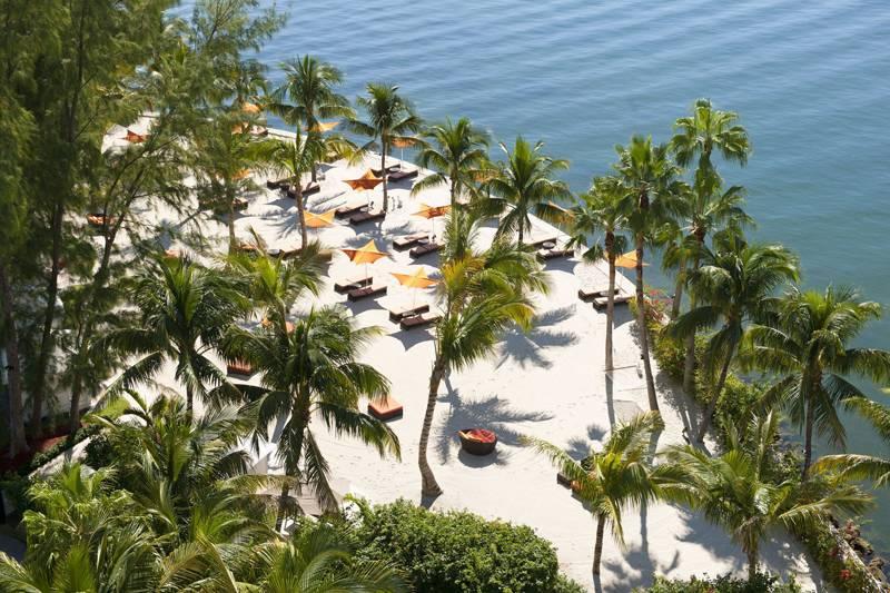miami_oasis-beach-club1