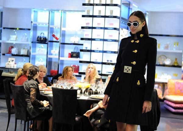Cameron Auto Sales >> Haute Event: Versace Dinner & Fashion Presentation With ...