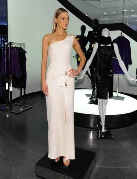 versace model 3