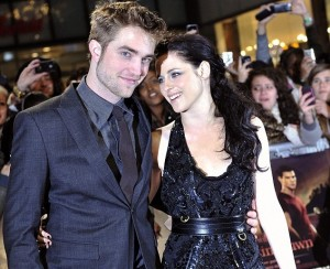 Robert-Pattinson-and-Kristen-Stewart-Breaking-Dawn-London-Premiere-300×244