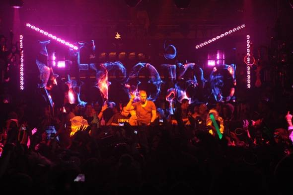 XS Nightclub - Afrojack and Crowd
