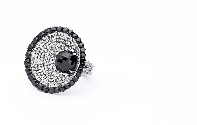 07498 – 27mm Black Divine – 6.92ct Blk.Dia.