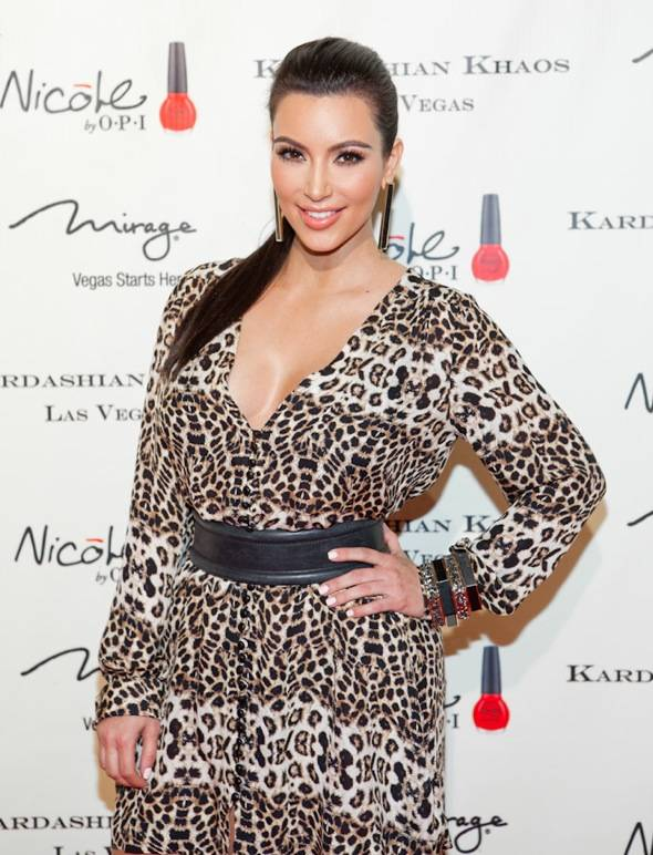 12_15_11_kardashian_khaos_KABIK-405