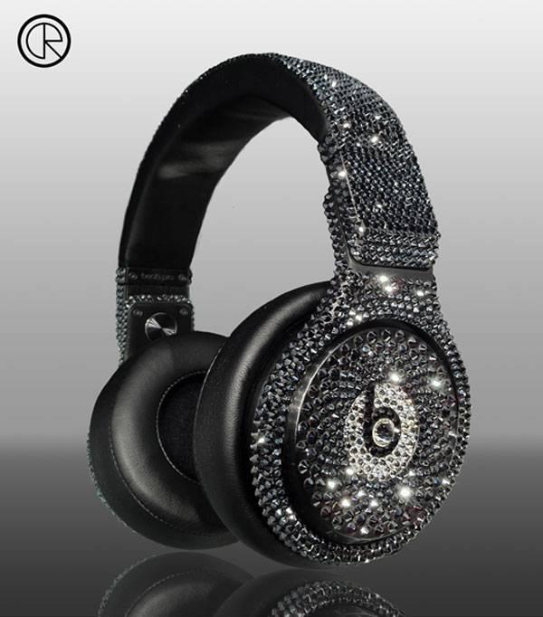 Limited-Edition-Swarovski-Dr-Dre-Detox-Pro-Headsets-by-Crystal-Rocked.jpg.pagespeed.ce.pSkHjqmqZ6