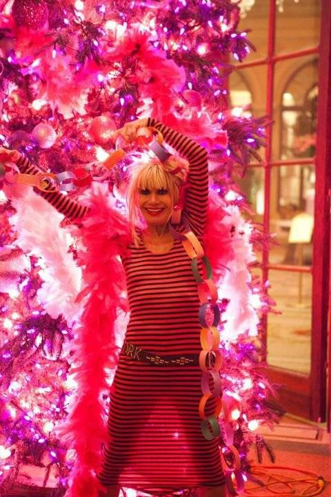 The Plaza Hotel S Hot Pink Betsey Johnson Christmas Tree