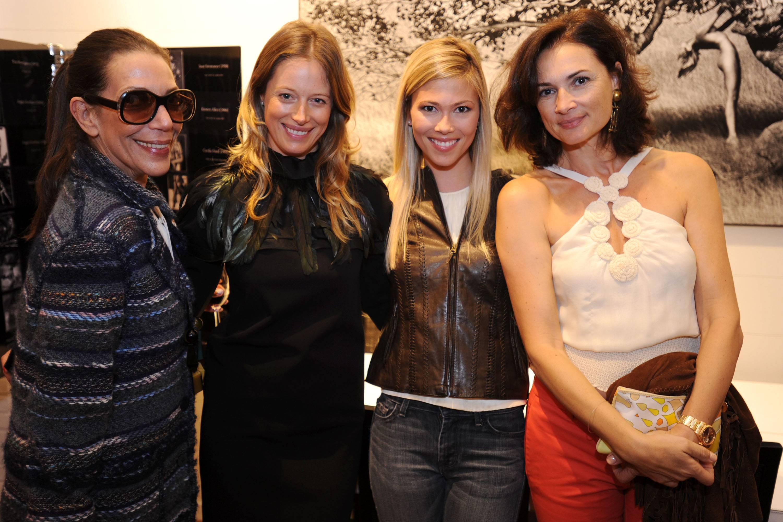 Sam Robins, Sara Colombo, Catherine Ann Markert & Daniela Ghione