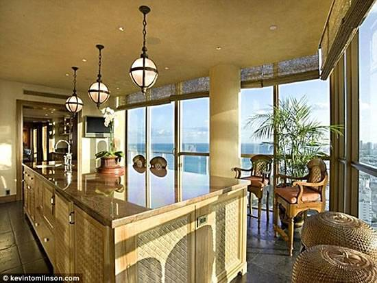 World's-most-expensive-beach-apartment-4