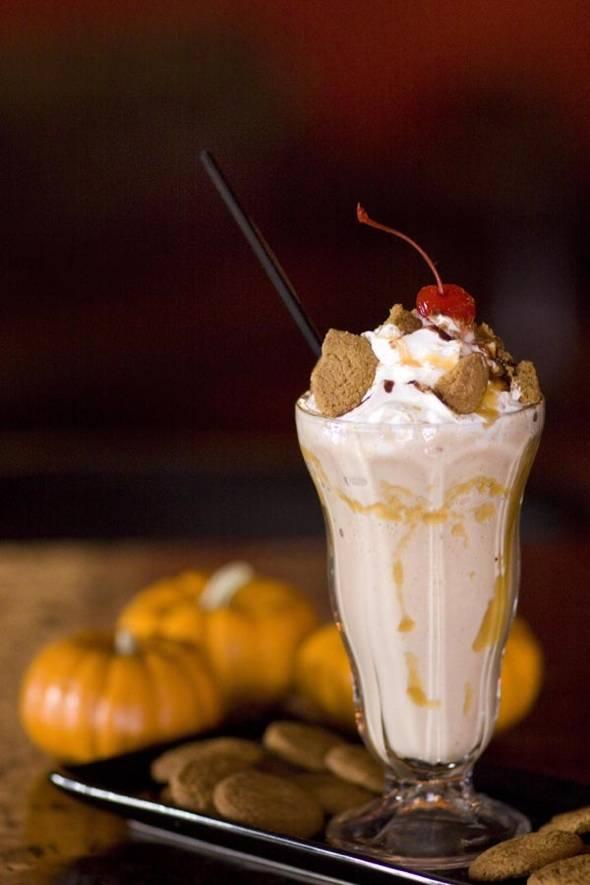 pumpkin pie gingersnap rumshake