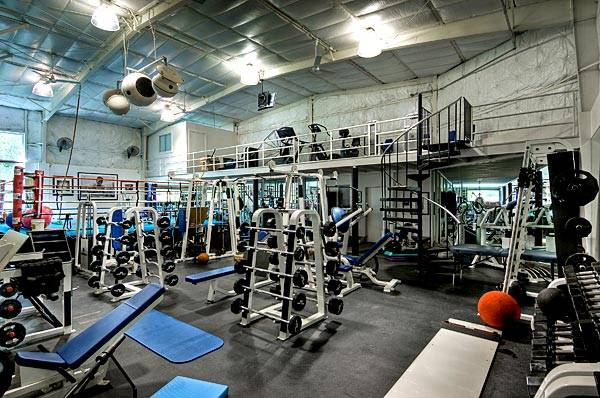 Mark Wahlberg Owns One Of The Most Incredible Home Gyms In The World. The  Gym That Is Located In His 1.41 Acre Estate Is 2,500 Square Feet And  Two Stories.