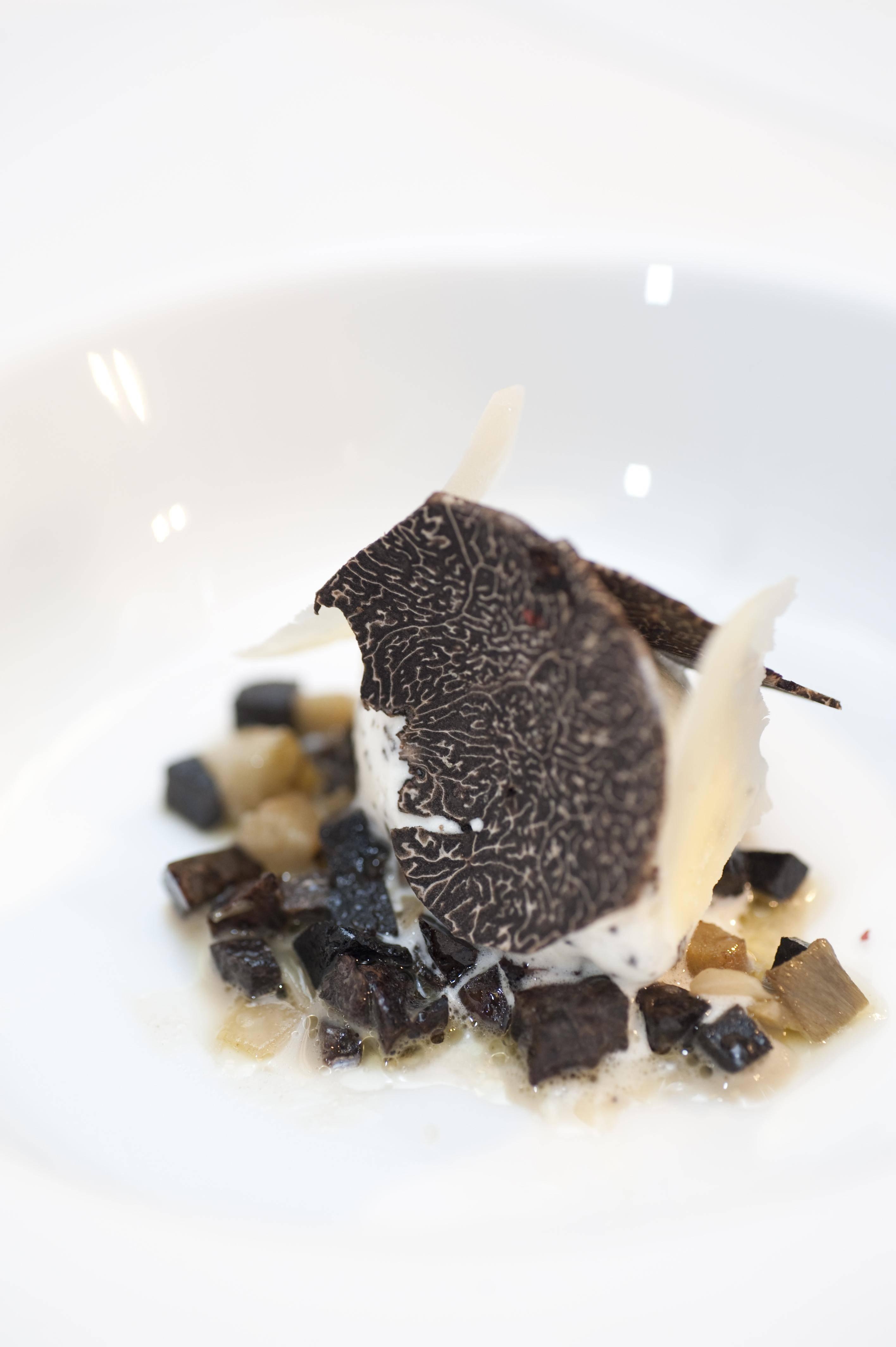 Artichokes Soup with Black Truffle—Ûºª≤ÀÃ¿≈‰∫⁄À…¬∂
