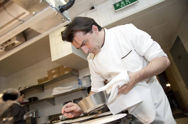Chef Yannick Alleno Outdoes Himself With Black Truffle Dinner At
