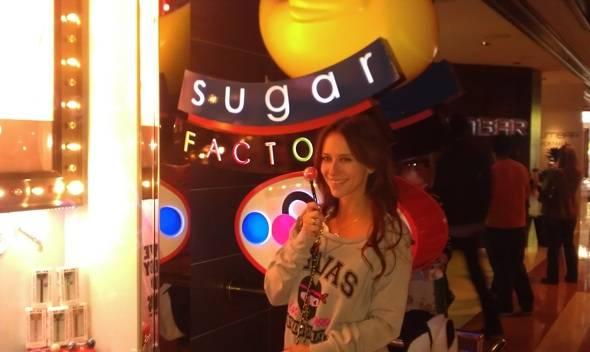Jennifer Love Hewitt at Sugar Factory