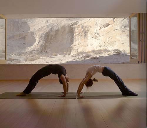 Amangiri resort to host the ultimate yoga retreat haute for Absinthe salon utah