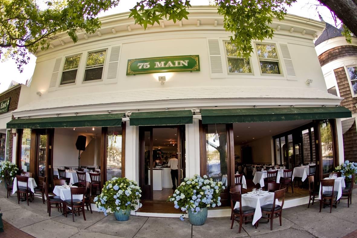 Top 5 italian restaurants in the hamptons haute living for Living room restaurant east hampton
