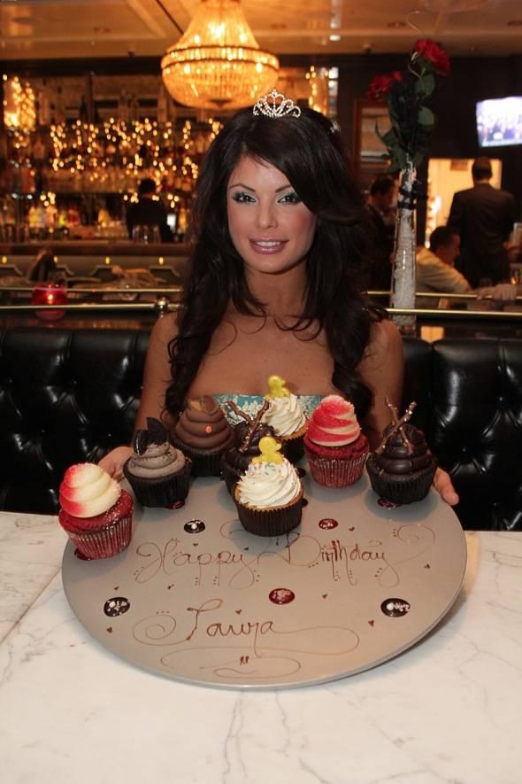 Laura Croft birthday cupcakes