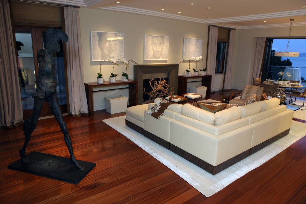 Photo Courtesy of Ed Smith, Family Room, Designer David Kensington