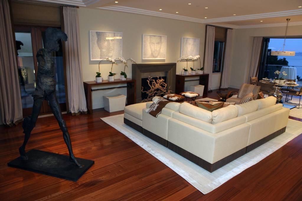 Photo Courtesy of Ed Smith, Family Room, Designer David Kensington