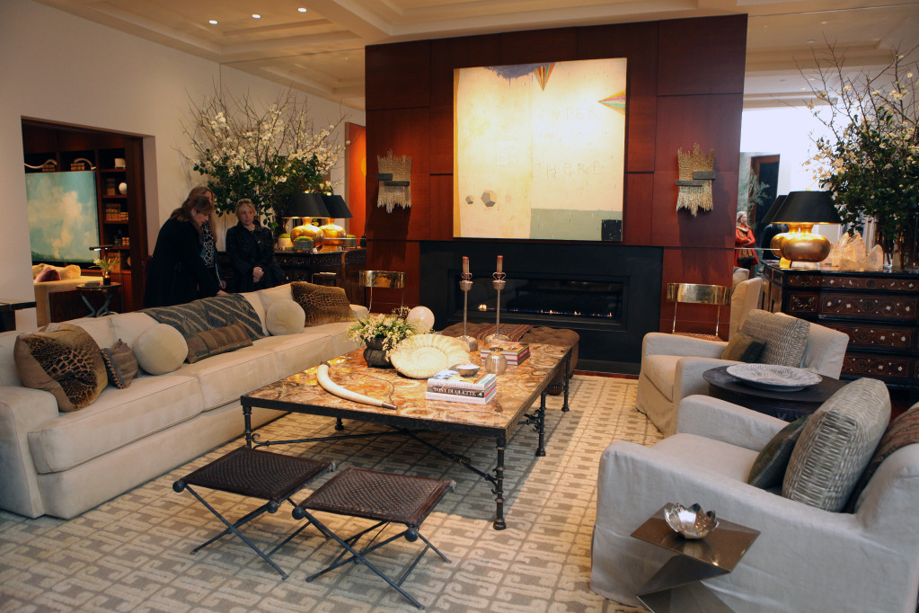Photo Courtesy of Ed Smith, Living Room, Designer Suzanne Tucker