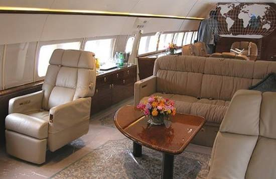gold-plated_private_jet_of_Ukrainian_President_2