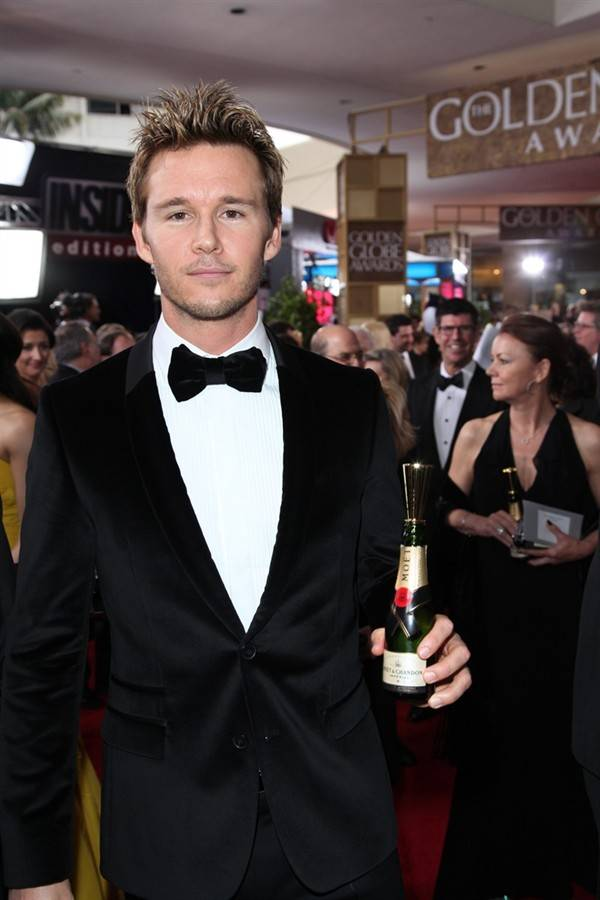 toast-for-a-cause-moet-chandon-meets-stars-of-the-screen_14