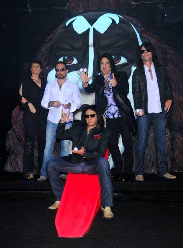 Christina Vitagliano, Eric Singer, Gene Simmons, Paul Stanley an