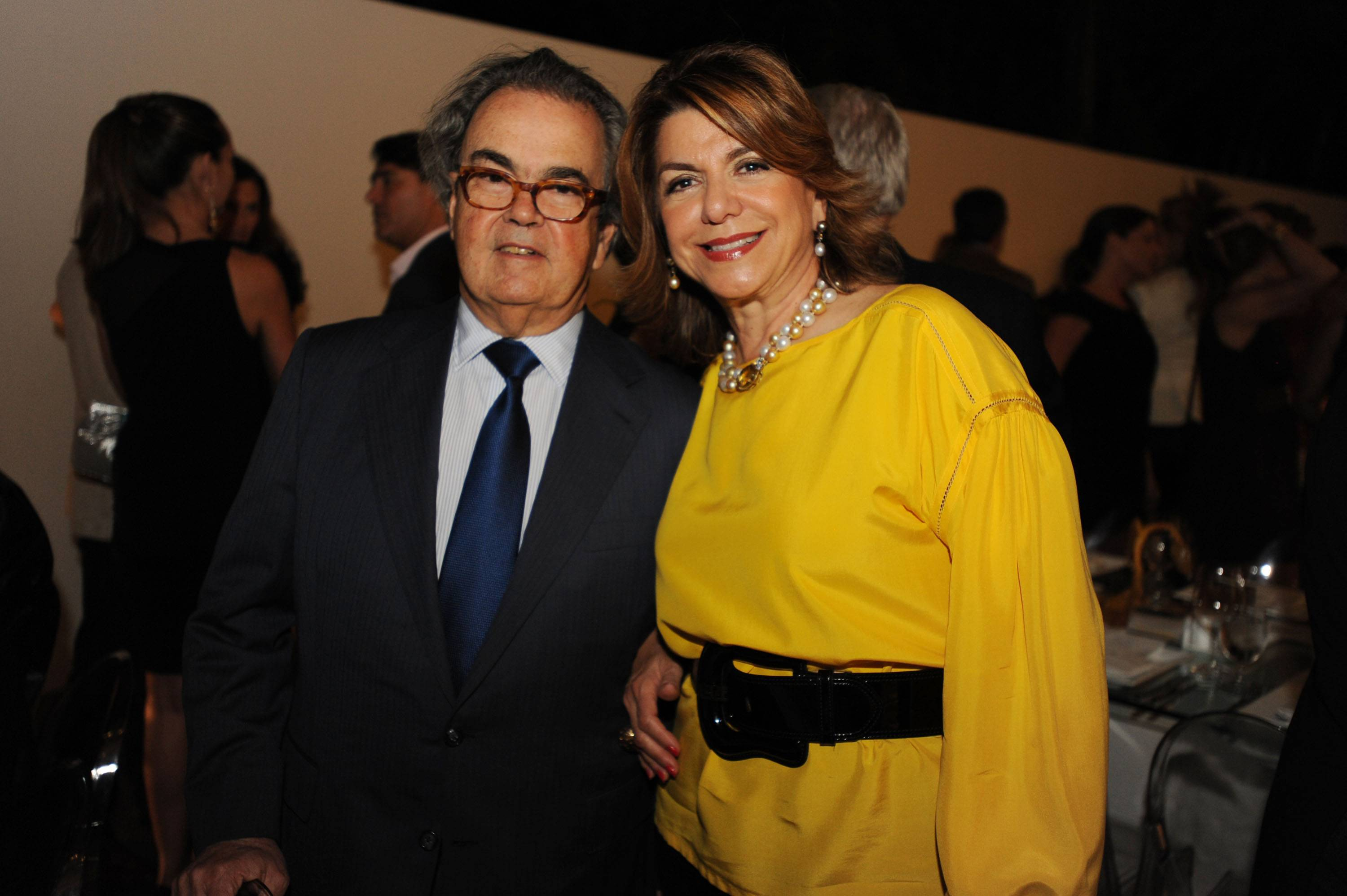 Carlos De La Cruz & Lourdes Collett