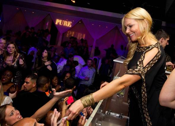 Laura Prepon_Fans_PURE Nightclub