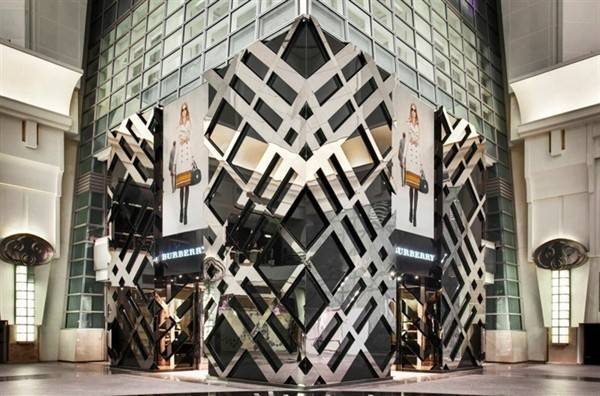 burberry-opens-flagship-store-in-taipei_1