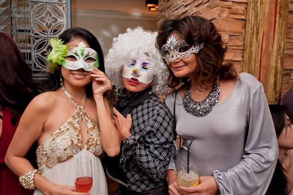 caffe-b-at-marina-bay-sands-holds-bal-masque-for-1st-anniversary_6