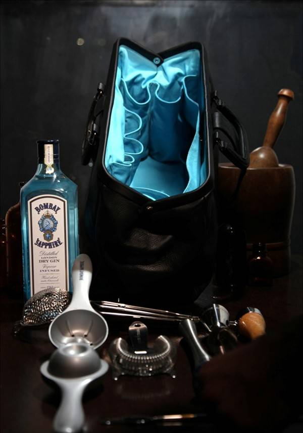 have-bag-will-booze-bombay-sapphire-bar-bag_5