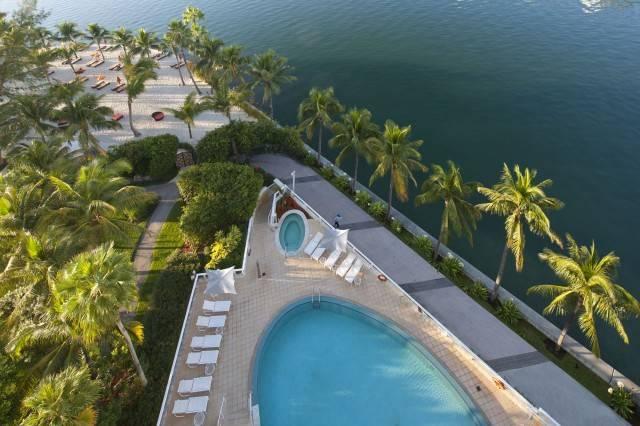 miami_oasis-pool-and-beach-club_sm